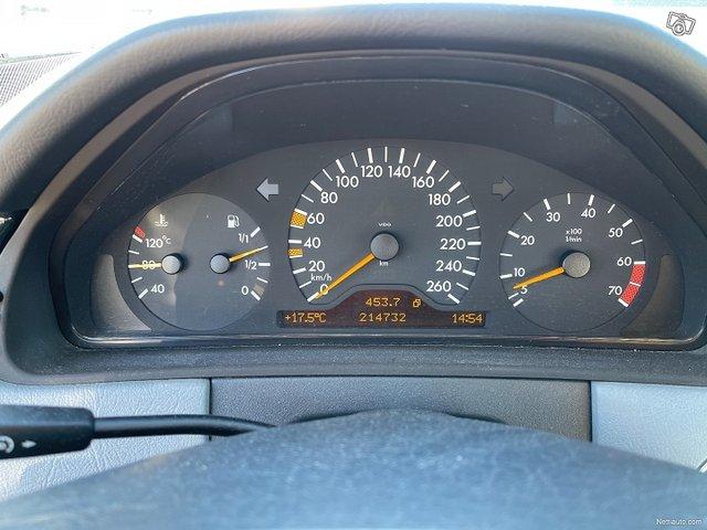 Mercedes-Benz E320 4matic 224hv 15