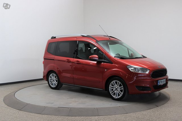 Ford Tourneo Courier 3