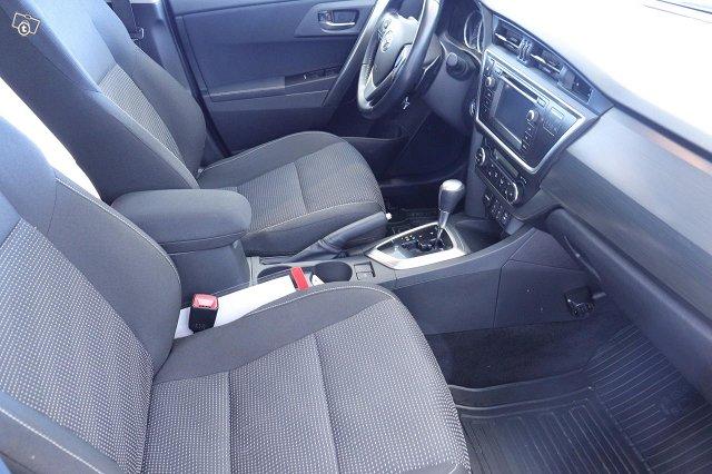 Toyota Auris 19