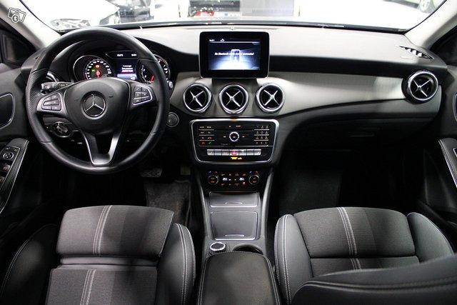 Mercedes-Benz GLA 6