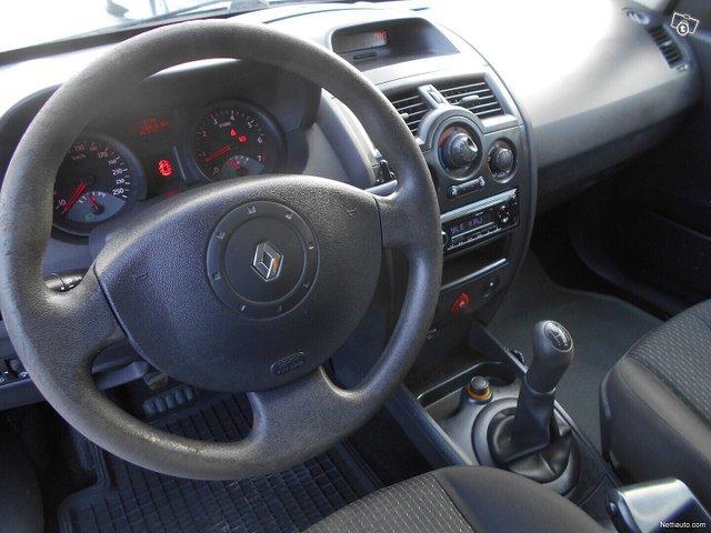 Renault Megane 10