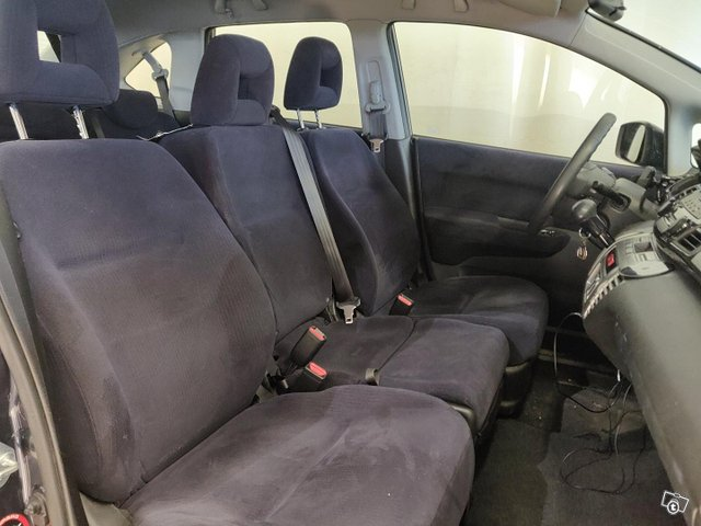 Honda FR-V 7