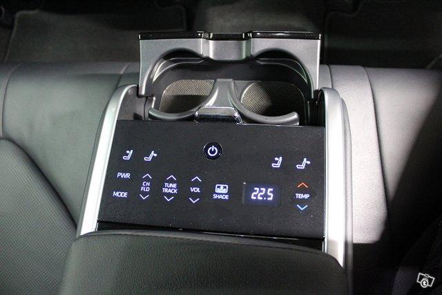 Toyota Camry 17