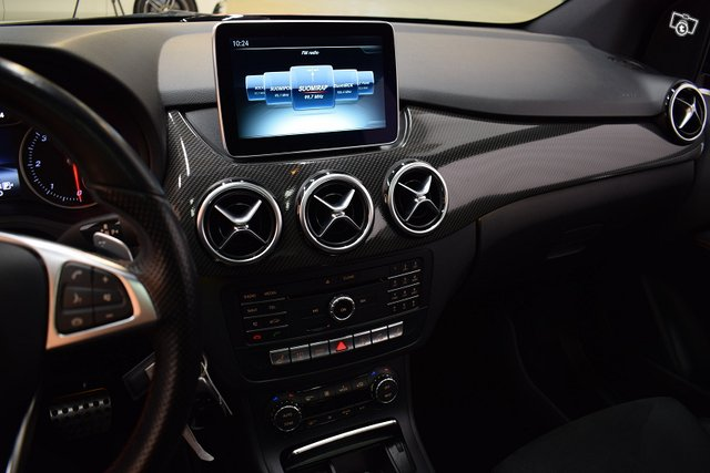Mercedes-Benz B 22