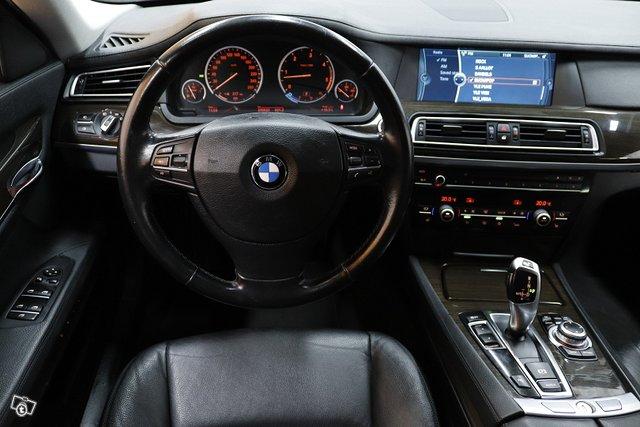 BMW 730 7