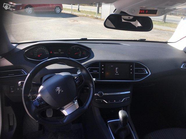 Peugeot 308 6