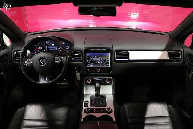 Volkswagen Touareg 12