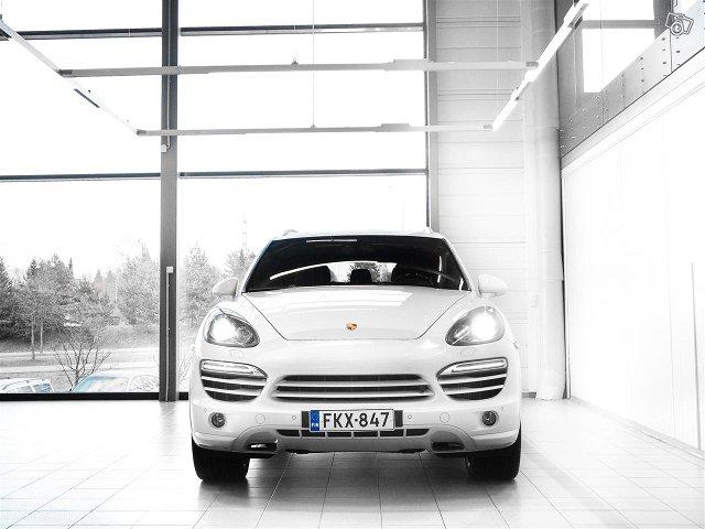 Porsche Cayenne 2