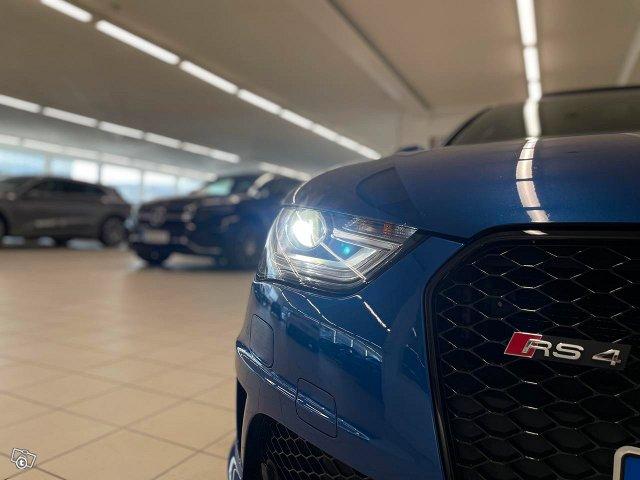 Audi RS4 18