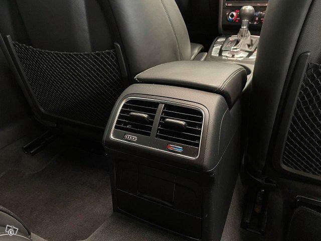Audi RS4 21