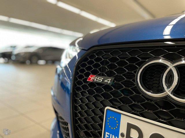 Audi RS4 22