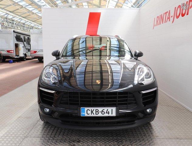 Porsche Macan 3