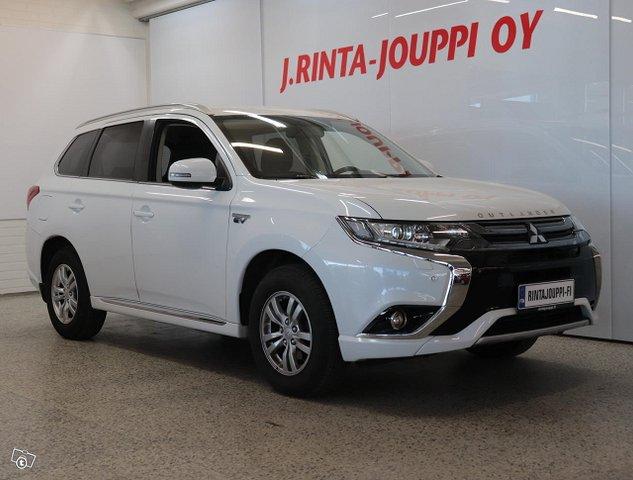 Mitsubishi Outlander PHEV 2
