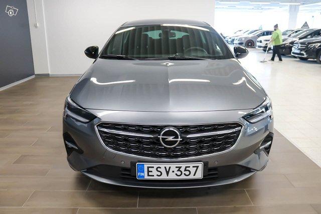 Opel INSIGNIA 4