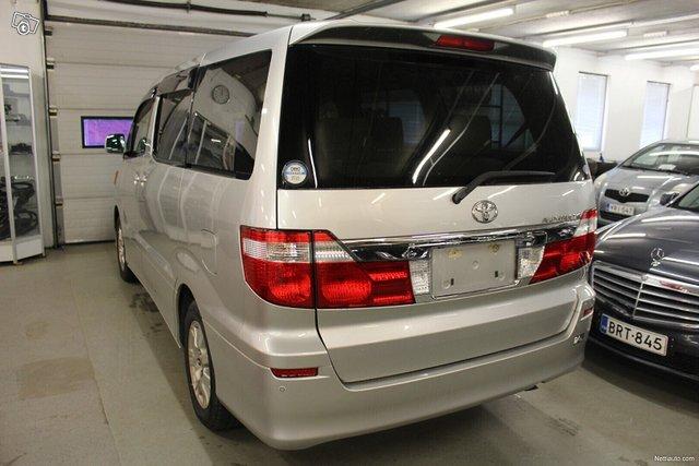 Toyota Alphard 3