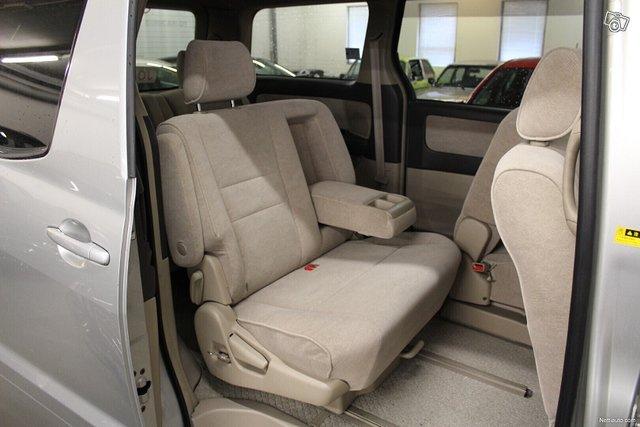 Toyota Alphard 11