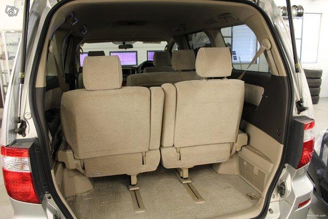 Toyota Alphard 12