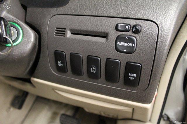 Toyota Alphard 15