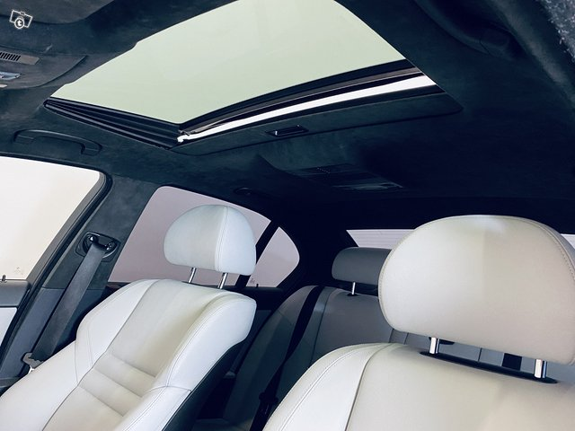 BMW M5 8