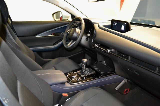 Mazda CX-30 17