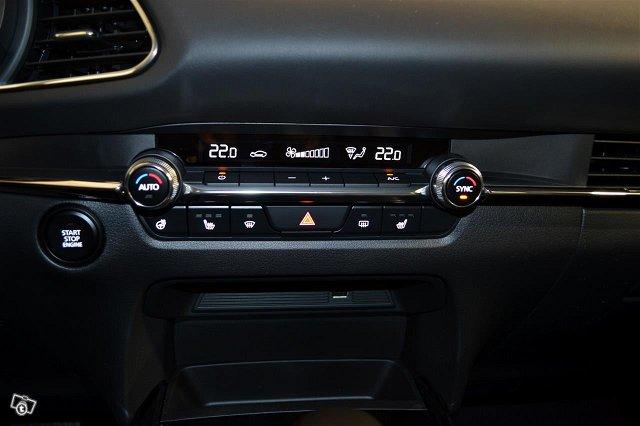 Mazda CX-30 12