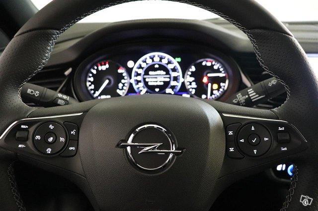 Opel Insignia 18