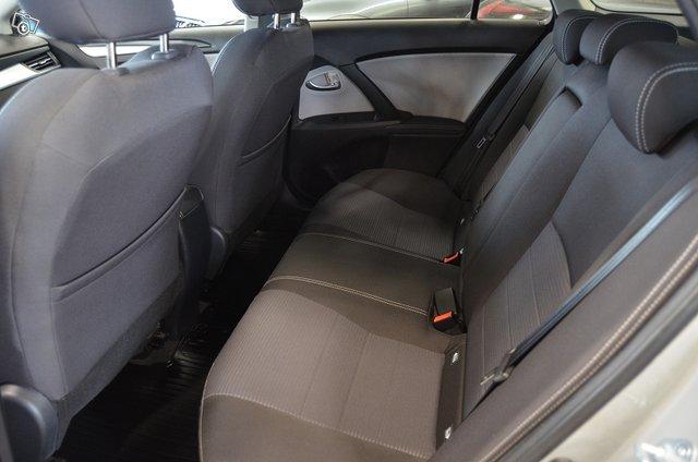 Toyota AVENSIS 6