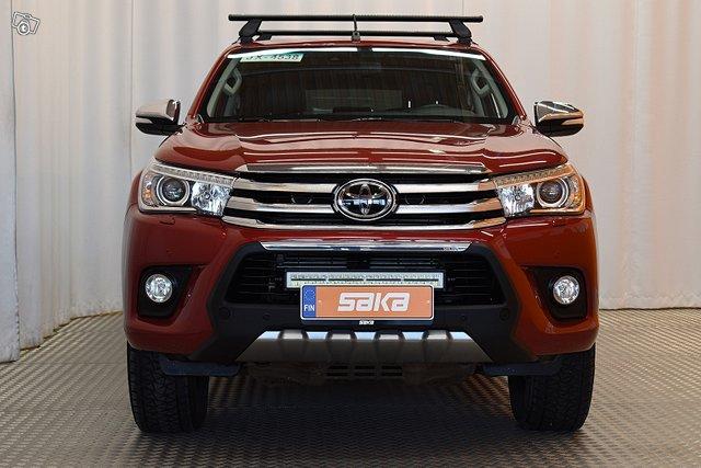 Toyota Hilux 2