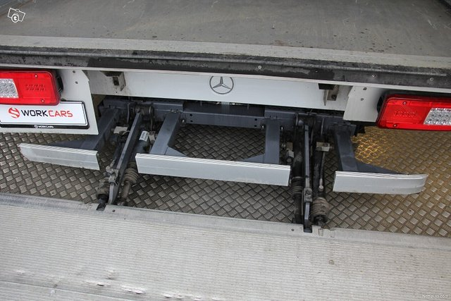 Mercedes-Benz Sprinter 17