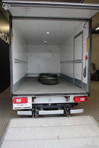 Mercedes-Benz Sprinter 18