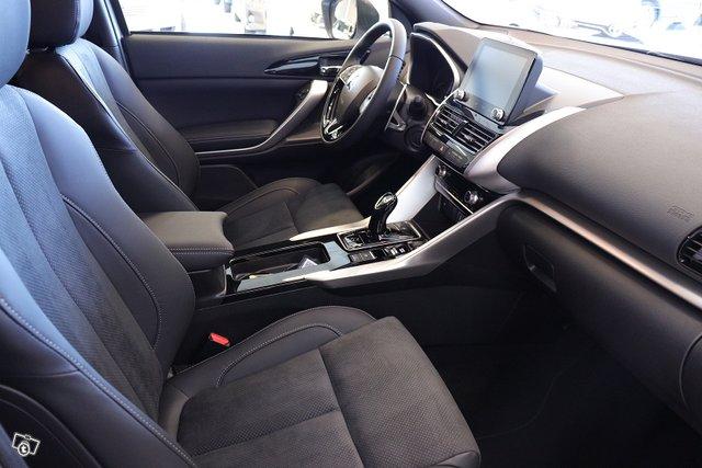 Mitsubishi ECLIPSE CROSS 23