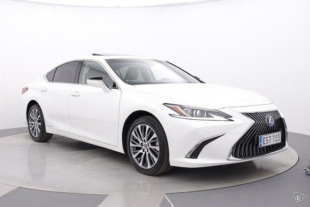 Lexus ES 7