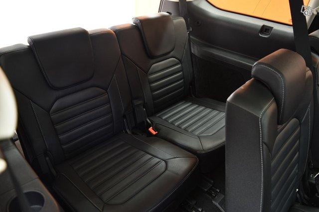 Ford Galaxy 16