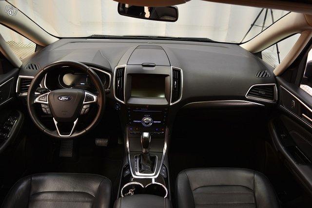 Ford Galaxy 17