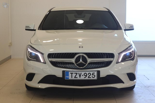 Mercedes-Benz CLA 3