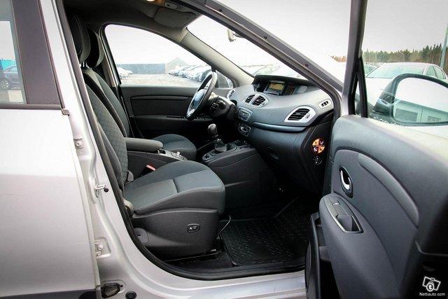 Renault Grand Scenic 20