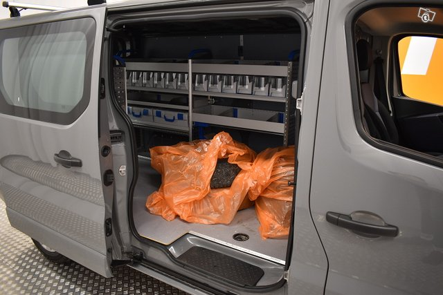 Opel Vivaro 11