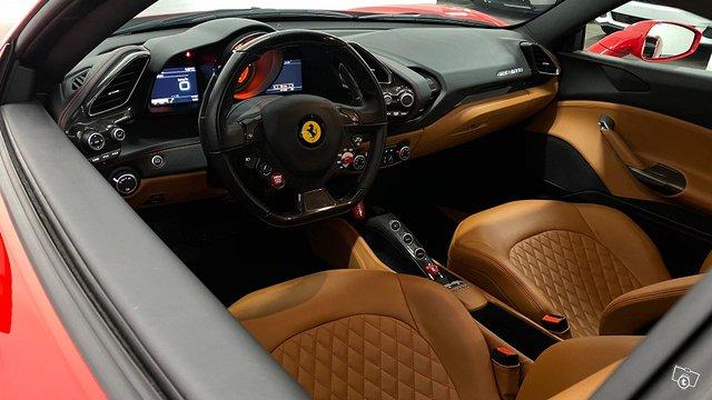 Ferrari 488 11