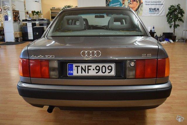 Audi 100 5