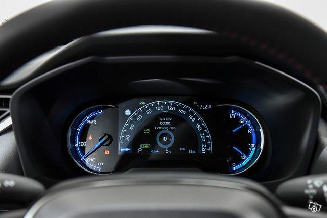 Toyota RAV4 PLUG-IN 9