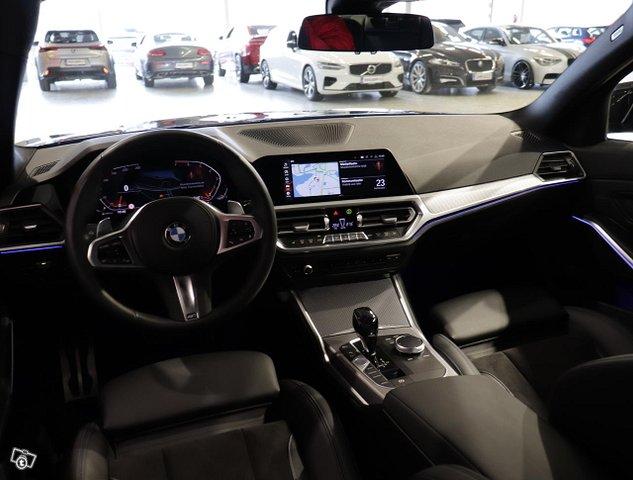 BMW 330 19