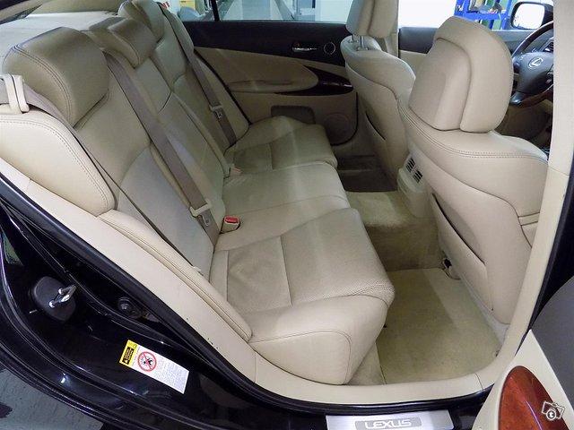 Lexus GS 15
