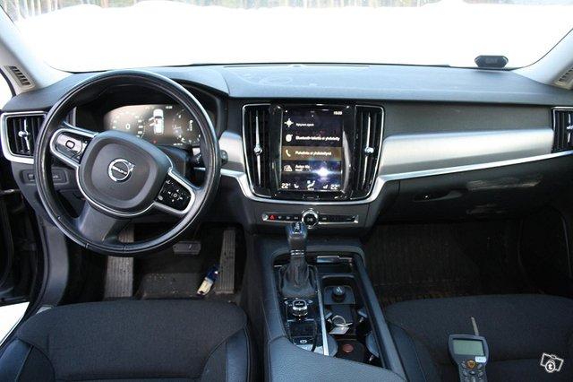 Volvo V90 7