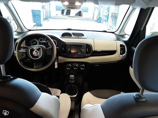Fiat 500L 11