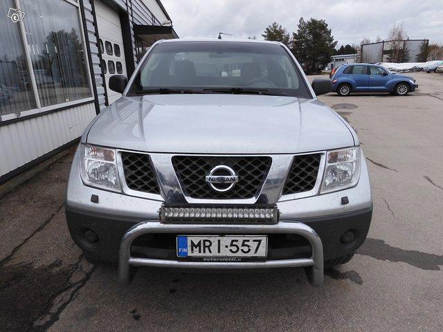 Nissan Navara 2