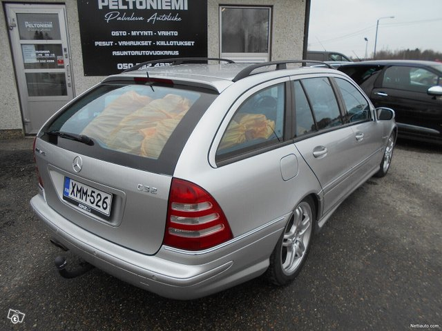 Mercedes-Benz C 32 AMG 5