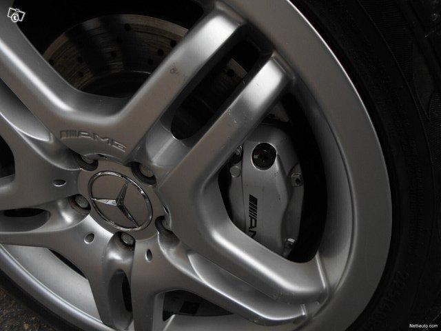 Mercedes-Benz C 32 AMG 14