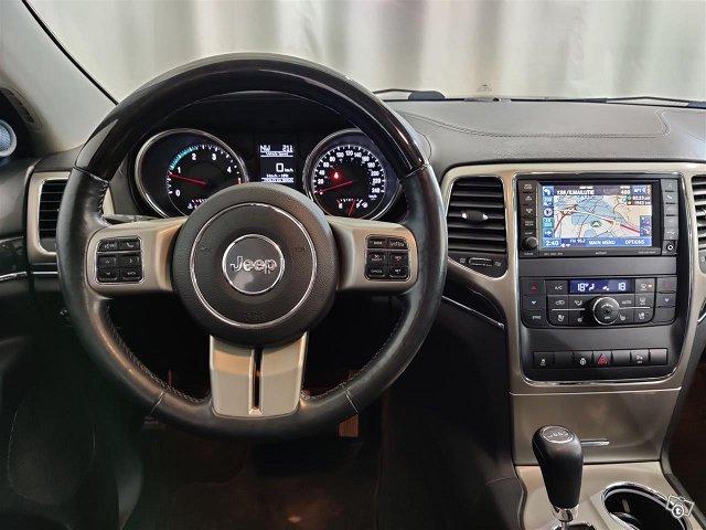 Jeep Grand Cherokee 12