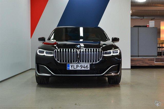 BMW 745 2