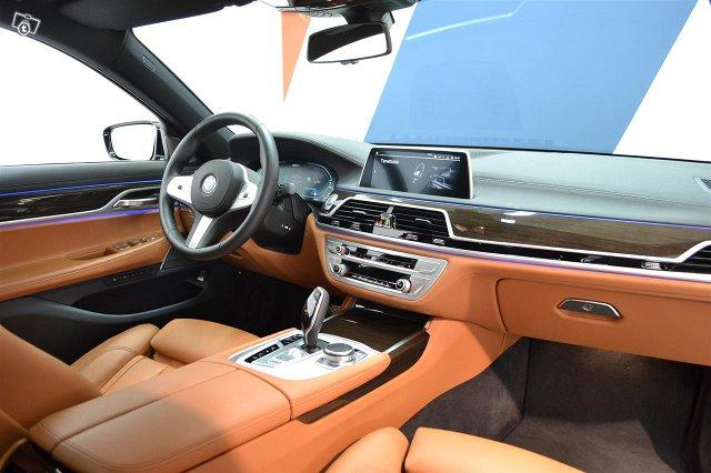 BMW 745 9